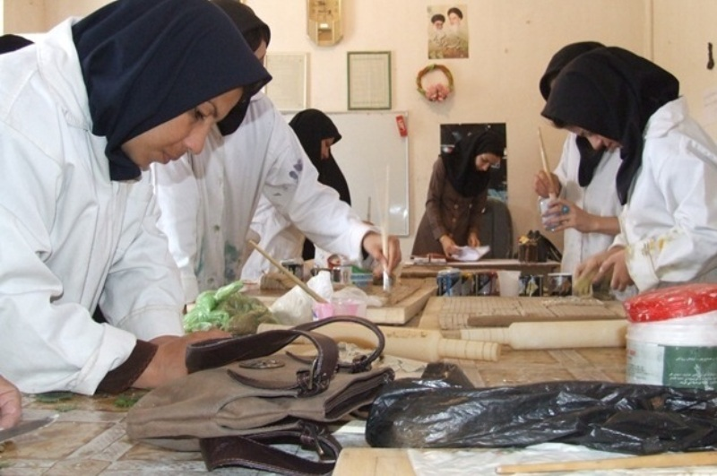 شهر بوشهر ۱۴۰۰ خانوار زن سرپرست دارد