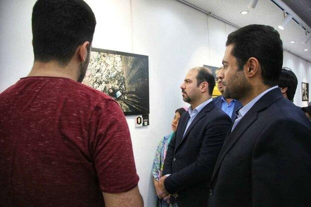 نمایشگاه عکس «آسیب های اجتماعی» در بوشهر افتتاح شد
