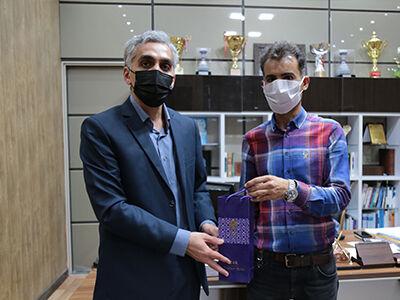 کمک ۲۰میلیونی کشاورز بوشهری به بیماران کرونا